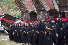 Vrouwen bij de Begrafenisceremonie van Toraja Royalty-vrije Stock Afbeelding