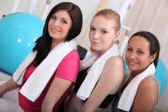 Vrouwen bij de gymnastiek Stock Foto