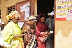 Vrouwen die over Senegal stemmen 2012 Presidentiële verkiezingen Royalty-vrije Stock Fotografie