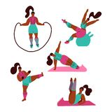 Vrouwen die sporten doen Stelt van yoga, geschiktheid met springtouw, fitball, het kickboxing Training in de gymnastiek op witte  royalty-vrije illustratie