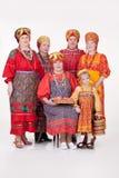 Vrouwen en Meisje in Russische Traditionele Kleding Stock Afbeelding
