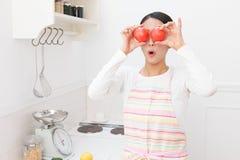 Vrouwen met tomaat stock fotografie
