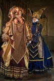Vrouwen in middeleeuws kostuum Stock Afbeeldingen