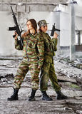 Vrouwen in oorlog royalty-vrije stock afbeelding