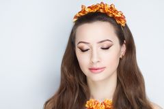 Vrouwen oranje kroon stock afbeelding