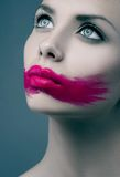 Vrouwen Roze lippen Royalty-vrije Stock Afbeeldingen