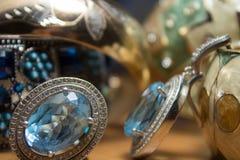 Vrouwen` s juwelen en toebehoren Stock Fotografie