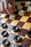 Vrouwen Speelcontroleurs Stock Foto's