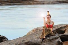 Vrouwen in Thais kostuum Royalty-vrije Stock Afbeelding