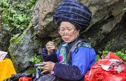 Vrouwen van Tujia-Nationaliteit in Hunan, China Stock Foto's