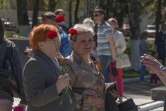 Vrouwen in Victory Day stock afbeelding