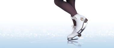 Vrouwenbenen in ijs het schaatsen laarzen royalty-vrije stock afbeelding