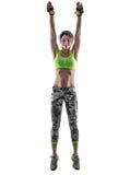 Vrouwengeschiktheid geïsoleerd in dozen doen pilates excercises Stock Foto's