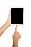 Vrouwenhand op tabletpc, toegang voor kennis Stock Afbeeldingen