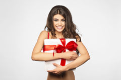 Vrouwenhanden die gift houden Stock Fotografie