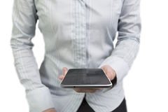 Vrouwenhanden die slimme telefoon met zwarte touchscreen houden Stock Foto's