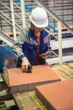 Vrouweningenieur met meetinstrumenten Stock Afbeeldingen