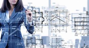 Vrouweningenieur op het werk Royalty-vrije Stock Afbeeldingen