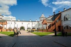 Vrouwenrust in binnenland van Gastwerf Tobolsk Stock Fotografie