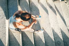 Vrouwenrust op treden na trainingreeks Stock Fotografie