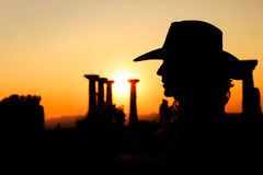 Vrouwensilhouet met Cowboy Hat royalty-vrije stock afbeelding