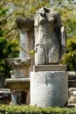 Vrouwenstandbeeld zonder hoofd Stock Fotografie