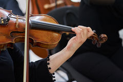 Vrouwenviolist Playing Classical Violin stock foto's