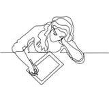 Vrouwenzitting en tekening met tablet stock illustratie
