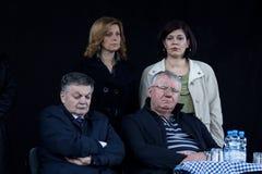 VRSAC, SERBIA - 10 aprile 2016: Vojislav Seselj, capo del partito radiale serbo SRS che dorme durante l'uno della sua riunione, d Fotografia Stock