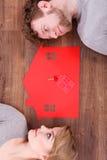 Vårt nya hem- drömma för par Arkivbild