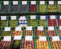 Vruchten & groenten bij de markt Stock Fotografie