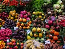 Vruchten in de markt Stock Foto's