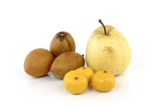 Vruchten die op witte achtergrond worden geïsoleerdr royalty-vrije stock foto's