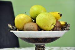 Vruchten in een kom Royalty-vrije Stock Foto's