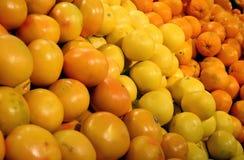 Vruchten in een winkel Royalty-vrije Stock Afbeeldingen