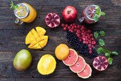 Vruchten en bevroren bessen Royalty-vrije Stock Afbeelding