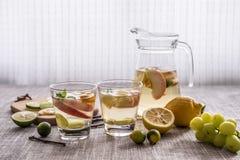 vruchten en dranken royalty-vrije stock afbeeldingen