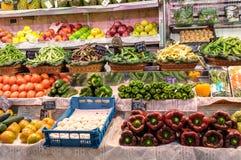 Vruchten en groenten in markt Stock Fotografie