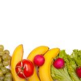 Vruchten en groenten op een wit worden geïsoleerd dat Royalty-vrije Stock Foto's