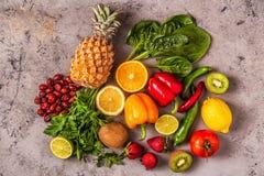 Vruchten en groentenrijken in vitamine C royalty-vrije stock afbeeldingen