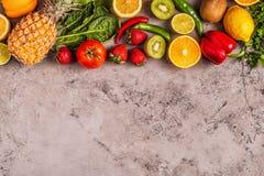 Vruchten en groentenrijken in vitamine C stock foto