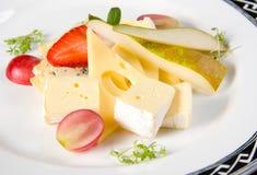 Vruchten en kaas Stock Afbeelding