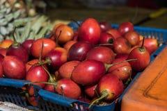 Vruchten en Veggies in Markt Stock Foto's