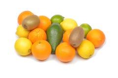 Vruchten op witte achtergrond stock fotografie