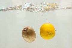 Vruchten plons Stock Afbeeldingen