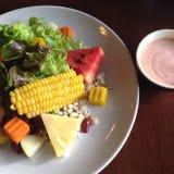 Vruchten salade Stock Afbeeldingen