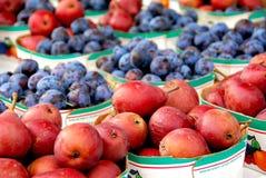 Vruchten voor verkoop stock afbeelding