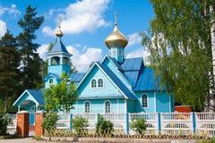 Vsevolozhsk列宁格勒oblast,俄罗斯太阳天2012年6月10日:康斯坦丁和海伦娜教会  免版税库存照片