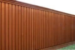 Vue à angles d'une frontière de sécurité en bois Photos stock