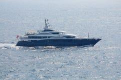 Vue à bord de Superyacht de navigation de luxe dans Ibiza Espagne Image libre de droits